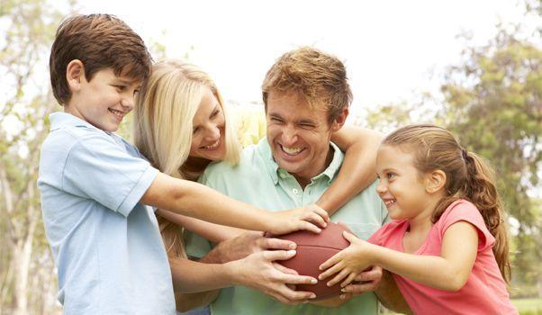 10 façons d'intégrer l'activité physique à la routine familiale | WIXXMAG