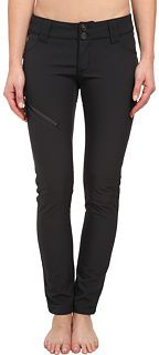 obsessed w/ these in-boot ski pants! // B by Burton