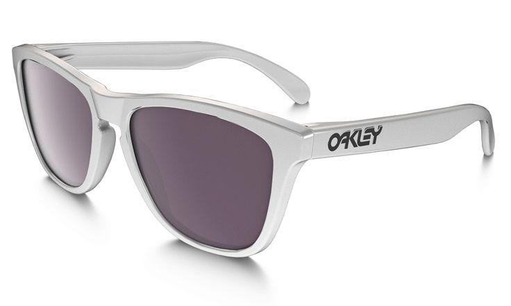 White Oakley Frogskins