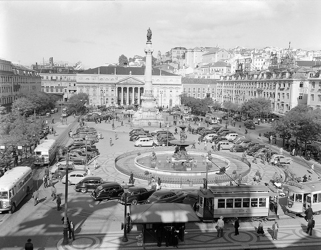 Rossio, Lisboa, Portugal ♥ | © Biblioteca de Arte-Fundação Calouste Gulbenkian…
