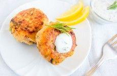 Gluten-Free Fish Cakes, a healthy weeknight meal http://gustotv.com/cooking-2/gluten-free-fish-cakes-make-a-healthy-weeknight-dinner/