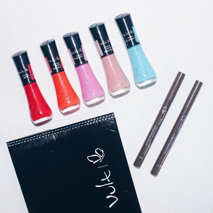 Recebi o Press Kit da @vult_cosmetica com uma novidade maraaaa!  Eles lançaram as canetas para sobrancelha. Elas têm a ponta bem fininha são perfeitas para corrigir a sobrancelha e deixar ela bem natural.  E esses esmaltes maravilindos que vieram junto?! Amei as cores. Brigada Vult  Ps: Querem resenha da caneta?  . . . #vult #vultvosmetica #esmalte #unha #unhas #nail #sobrancelha #castingcbb #make #cosmetico