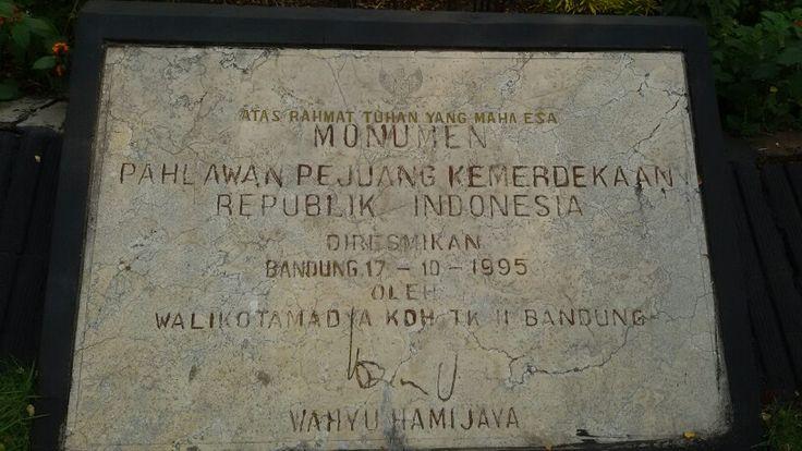Plakat di Monumen Lengkong Bandung