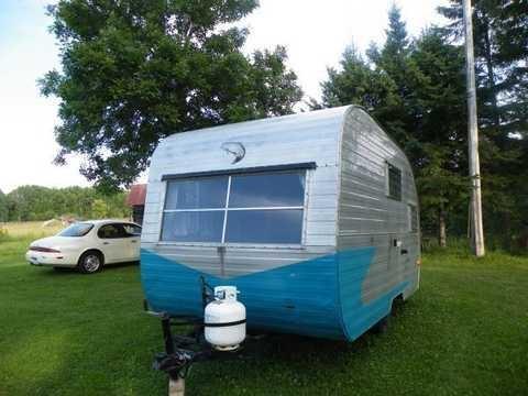 small vintage travel trailers for sale yakaz for autos weblog. Black Bedroom Furniture Sets. Home Design Ideas