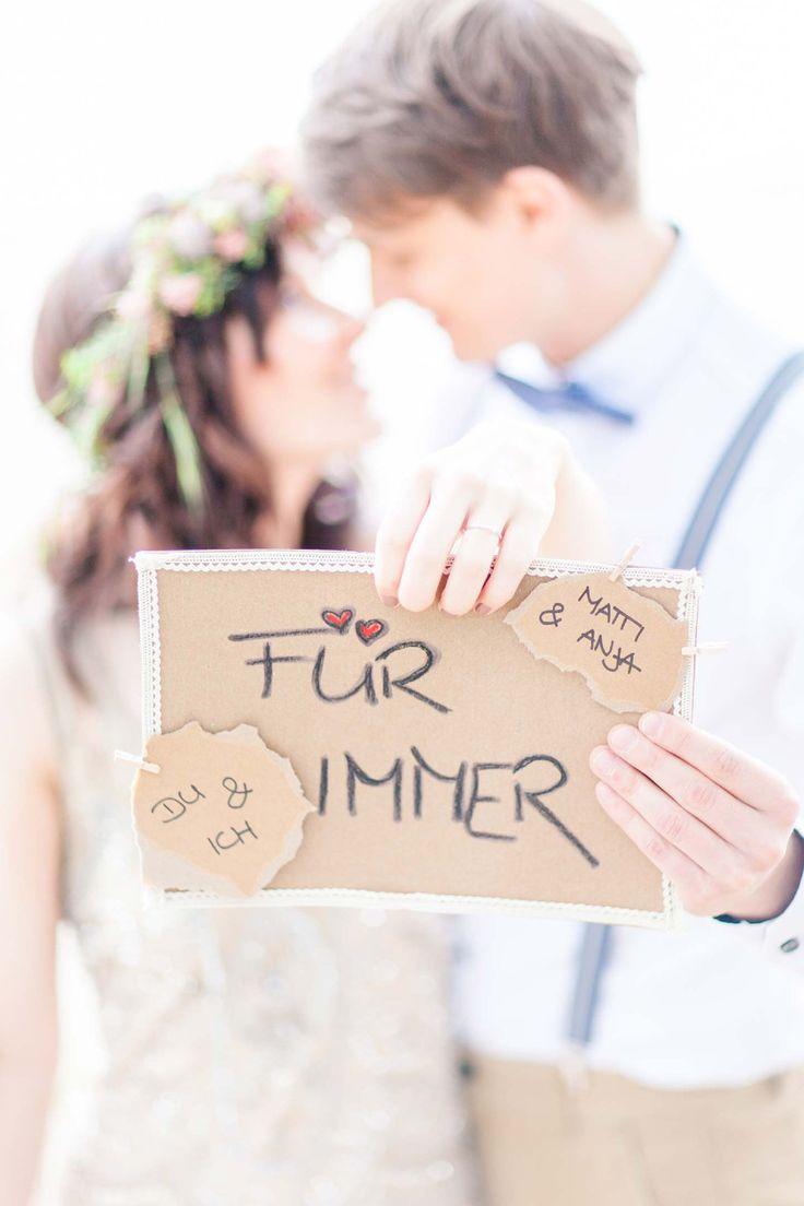 Romantische Zweisamkeit am Alwarmbüchener See @Anja Schneemann Photography http://www.hochzeitswahn.de/inspirationsideen/verlobung/romantische-zweisamkeit-am-alwarmbuechener-see/ #love #couple #romantic