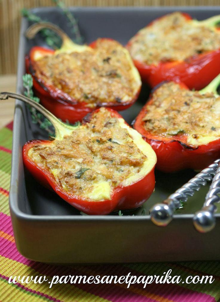 Parmesan et Paprika: Poivrons Rouges farcis au Thon et au fromage râpé Sublime Ferrari à faire avec d'autres légumes. ...testé et approuvé !