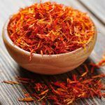 Saffron spice, also popularly known as turmeric is a spice that provides many health benefits such as anti-aging and antioxidant, and is an ally of the brain to combat Alzheimer\\\'s disease and help you lose weight.That is, besides being an ingredient that can give that special touch in several types ...