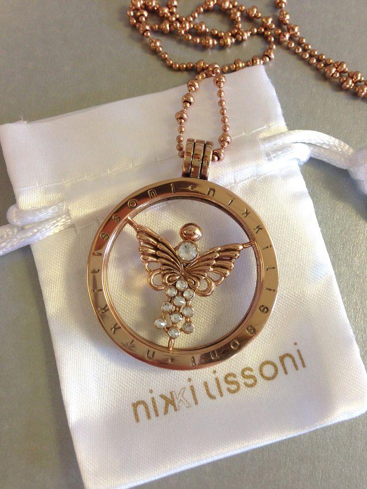 Nikki Lissoni Fragile Butterfly set in rose gold