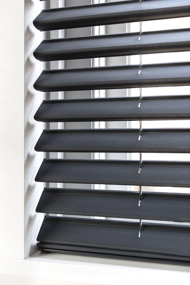 Vlinderjaloezieën van bece® #vlinderjaloezie  #raamdecoratie #zonwering #bece #interieur