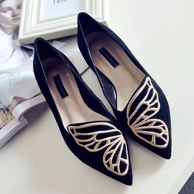 """Women's Fashion Casual Shoes Stylish Womens Ballet Shoes Available in Pink and Black US European Inches Centimeters 4 35 8.1875"""" 20.8 (cm) 4.5 35 8.375"""" 21.3 (cm) 5 35 - 36 8.5"""" 21.6 (cm) 5.5 36 8.75"""""""