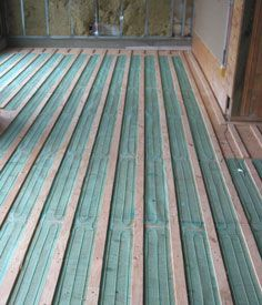 How to install radiant floor heating under hardwood for Put a floor under