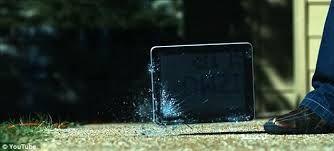 rozbity ekran w tablecie
