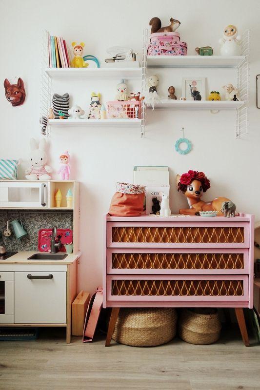 Chambre bébé ambiance vintage, années 60, 70!!Objets marrants!!