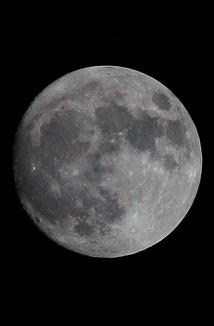 Luna fotografata da Napoli stasera 13 novembre 2016 perchè domani piove.Luciano Buonomo