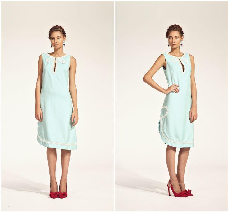 ZUZANA VESELÁ ATELIER. Be comfortable at at a summer wedding in this light linen dress. #ss16 #zuzanavesela #czechdesigner #pfsshowroom #pantone #weddingperfect @zvesel