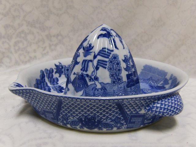 WHITE BLUE WILLOW EX-LG CITRUS MELON GRAPEFRUIT JUICER REAMER ASIAN ORIENTAL