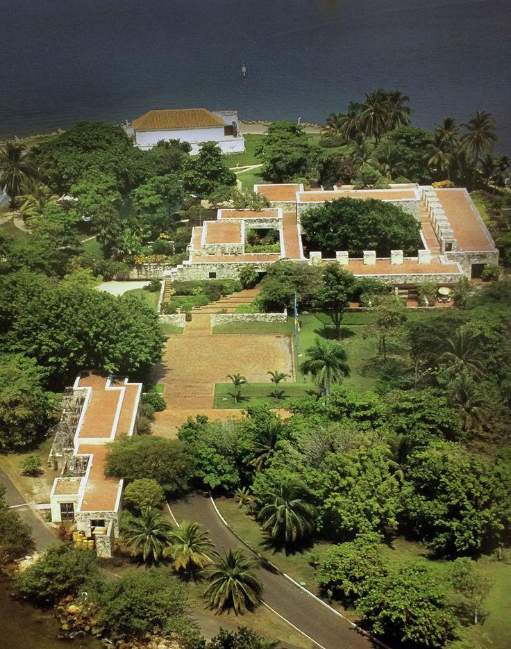 Galería de Clásicos de Arquitectura: Casa presidencial del Fuerte San Juan de Manzanillo / Rogelio Salmona - 1