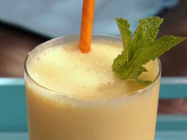 Smoothie de Manga, Iogurte e Rum - Food Network