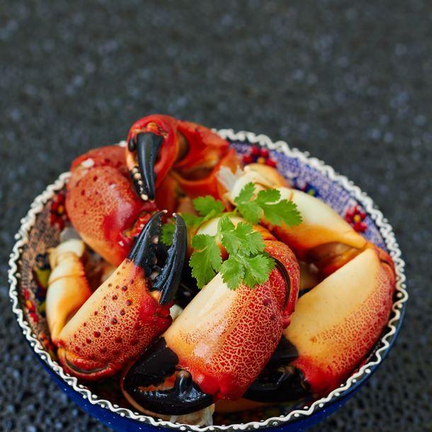 Pinces de crabe à la sauce piquante