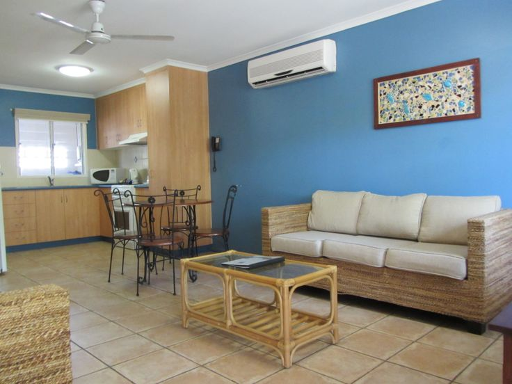 Keswick is a comfortable  Air-conditioned two-bedroom unit, with Full Kitchen, Foxtel, LCD TV, Laundry, Patio and undercover parking.  Book Now!!! Visit : http://www.bluepacificresort.com.au/accommodation/keswick/