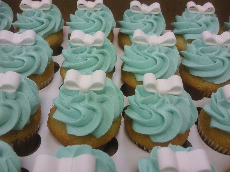 tiffany cupcake | Tiffany Blue With Ribbons - CakeCentral.com
