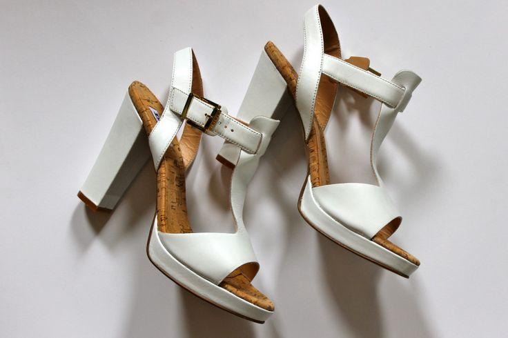 White heels. www.thewanderlustgirls.com