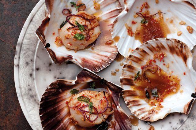 Chili and Basil Scallops: Seafood Recipe, Basil Scallops, Fish, Chilis, Scallops Recipe, Eating, Williams Lingwoodshoot, Cooking, Lingwoodshoot Food