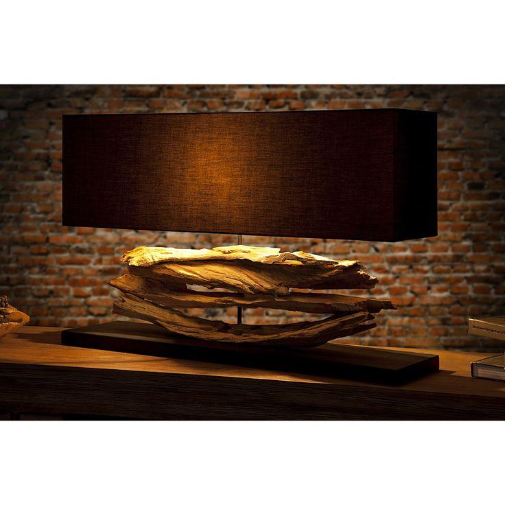 Stolová lampa Riverine  Rozmery: 80x20cm  Výška: 50cm  Material: Masívne naplavené drevo - Čierny podstavec  Tienidlo: 80x25x20cm Čierna látka  Svetelný zdroj: 1 x E27 max 60W  Táto lampa má verzie pre žiarovky triedy energet