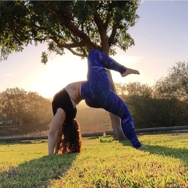 Plus size or not, these ladies are incredible with their yoga practice. Be ready to be awe-inspired!