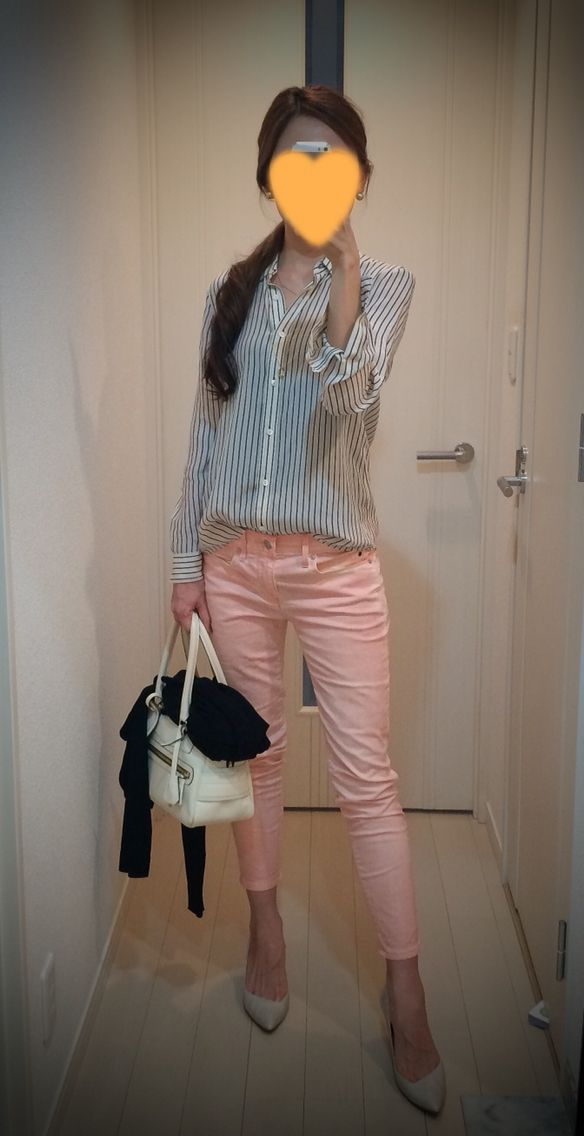 Sweet casual Friday! Shirt: Tomorrowland Skinny: GAP Cardigan: COS Bag: J&M DAVIDSON Heels: CHEMBUR