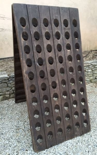 French riddling rack Pupitre