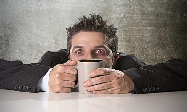 Αν πίνεις έτσι τον καφέ σου ίσως είσαι ψυχοπαθής!