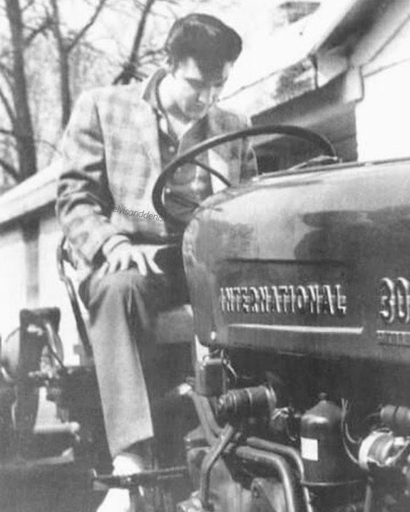 Elvis, at Graceland 15/04/1957 posing for photos on his new tractor He had just bought Source IG thespiritofelvispresley