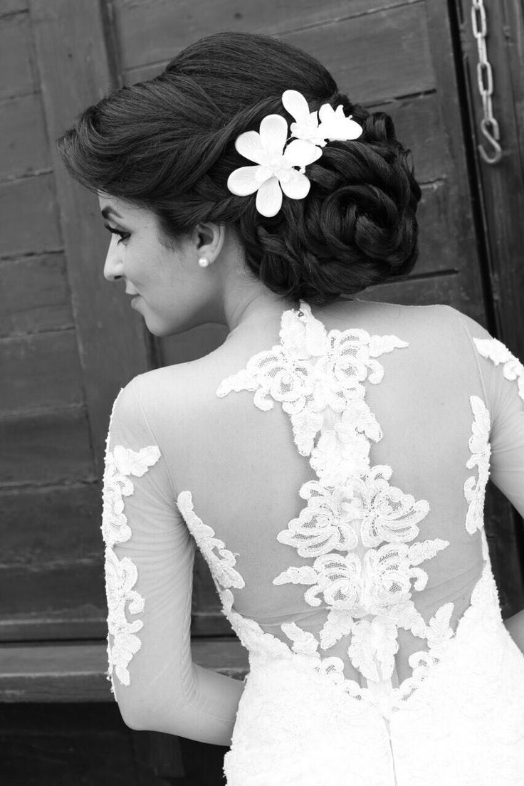 42 best Hair and make up images on Pinterest | Bridal hairstyles ...