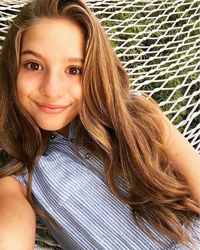 I'm Mackenzie call me Kenzie or kenz I'm 14 single but looking I love dancing I dance at Abby lee dance my best styles are acro and hip hop also my best friends are Kendall Kalani Brynn Brooke kolinski and Matt my sis is maddie(@miss Maddie)~kenz