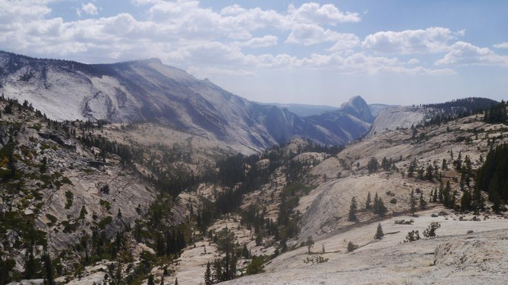 """""""vu sur yocemite village au loin"""" by TravelPod blogger marco-2010 from the entry """"Yosemite national parc"""" on Thursday, September 10, 2015 in Yosemite Valley, United States"""