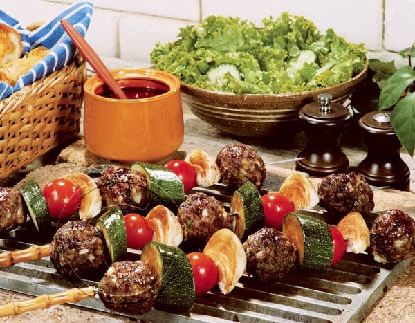 2014 Recipe Promotional Calendars - June 2014 - Beef Shish Kebobs (Serves 6 to 8)  1½ lb [750 g] lean ground beef  1 shallot, finely chopped  2 cloves garlic, minced  1 tbsp [15 mL] Worcestershire sauce  2 tsp [10 mL] dried oregano  1 tsp [5 mL] dried basil  1 tsp [5 mL] sweet honey mustard  2 eggs, beaten  ½ cup [125 mL] dried breadcrumbs  2 to 3 zucchini, cut into chunks  1 cup [250 mL] cherry or grape tomatoes  1 sweet onion, ... visit www.promocalendarsdirect.com/recipes for complete…