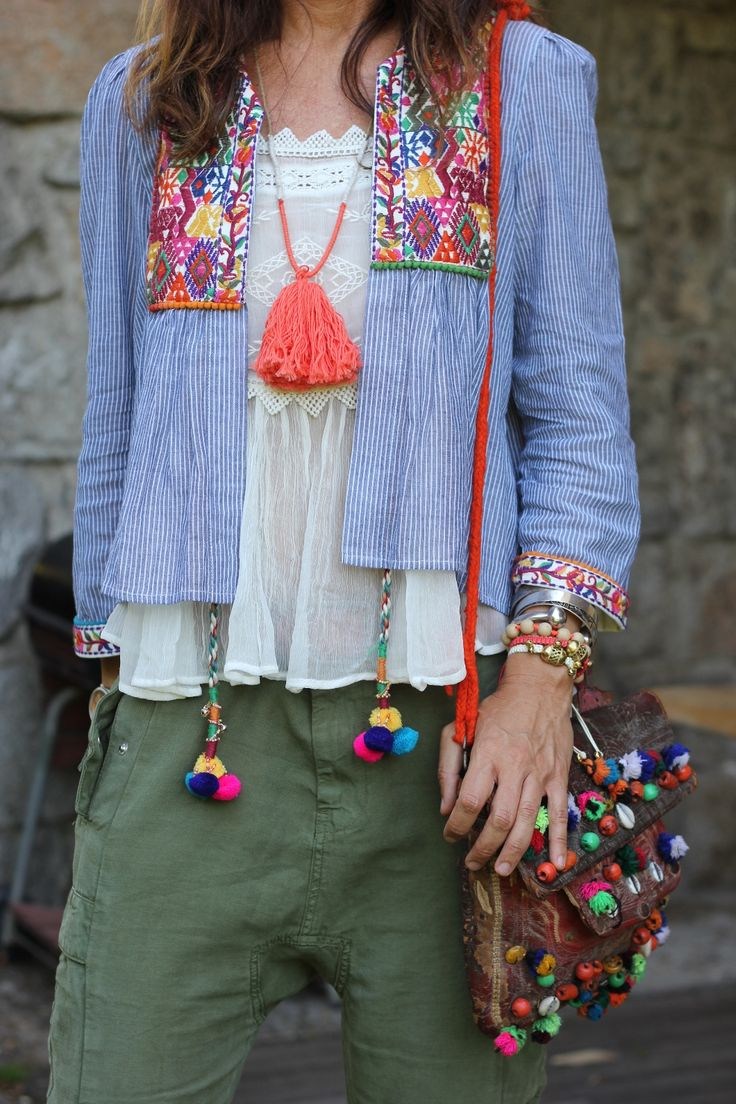 Boho style basics: pompoms,tassels and embroidery