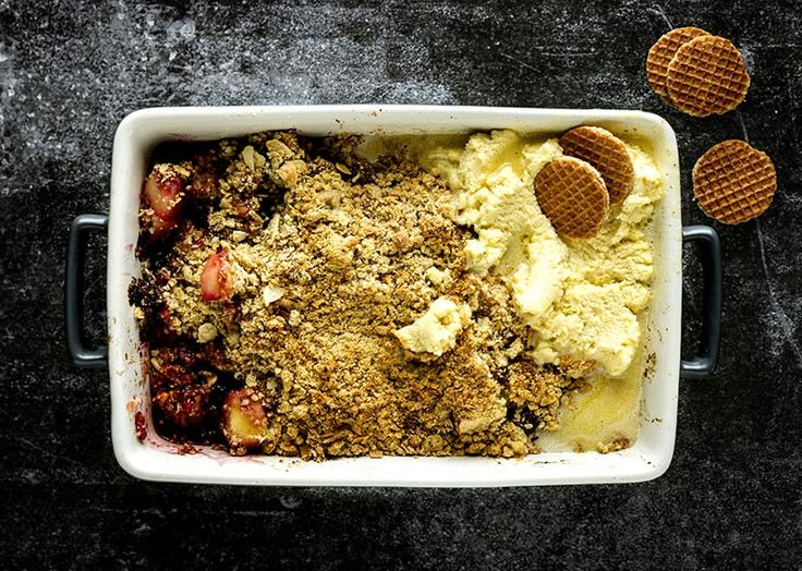 Apple, berry and hazelnut crumble on Afternoon Express