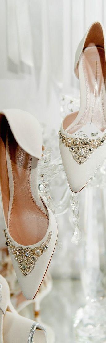 Wedding Shoes | Rosamaria G Frangini || Classy