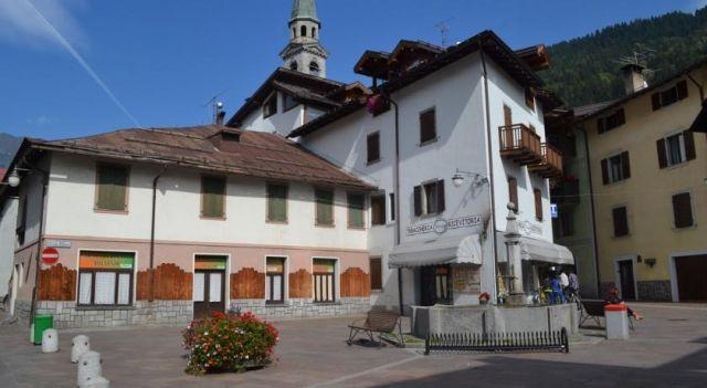 Apartment Bilocale Pinzolo centro - #Apartments - $125 - #Hotels #Italy #Pinzolo http://www.justigo.co.in/hotels/italy/pinzolo/apartment-bilocale-pinzolo-centro_158277.html