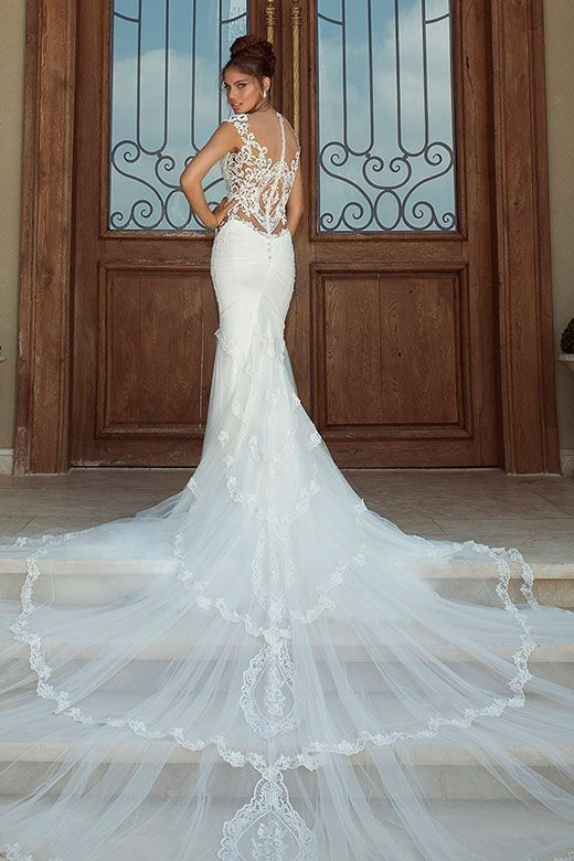 84 best Wedding Dresses images on Pinterest | Wedding frocks ...