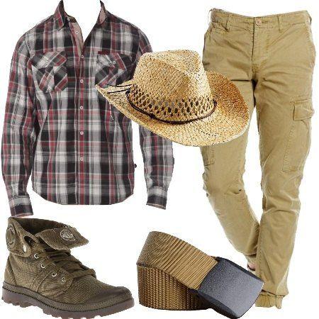 Pantalone taglio cargo, in cotone, multitasche abbinato a camicia a maniche lunghe, a quadri. Comodi stivali stringato, cintura con fibbia regolabile e per finire cappello in paglia stile cowboy.
