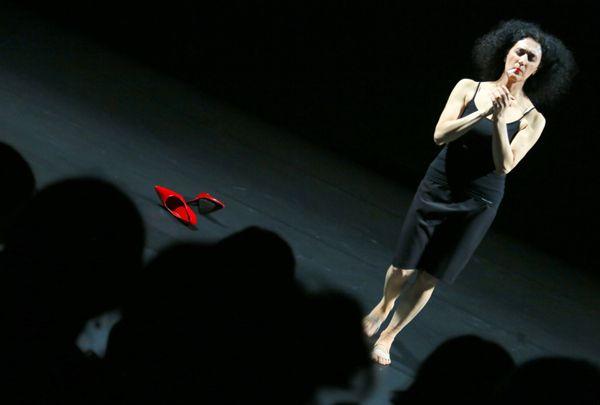 http://www.lifemarche.net/?p=7604 #ARTE - Ha iniziato a ballare a 5 anni per correggere un difetto fisico, e oggi la ritroviamo come ballerina solista del Tanztheater. #danza #Tanztheater #danzattori #teatro #art #artist #marche #lemarche #lifemarche #marzo