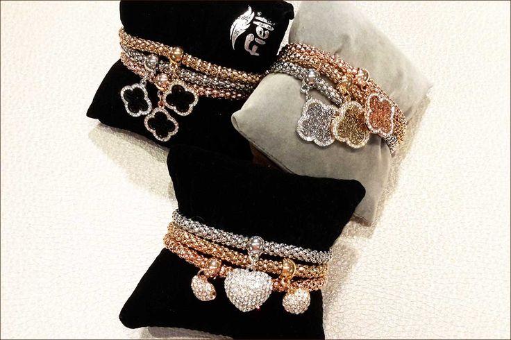juwelen: bracelet / armband met bedeltjes