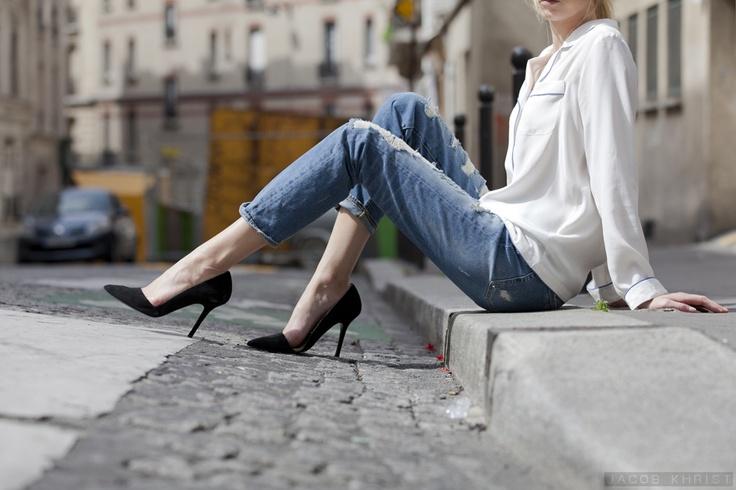 pj top + bf jeans + black heels.: Boyfriend Jeans, Fab Styles, Fashion, Details, Street Style, Black Heels, White Blouses, Black Pumps
