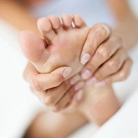 Psoriatic arthritis inflammation can affect any joint, including the ankles and toes. Get 10 tips to help with foot care and psoriatic arthritis management.