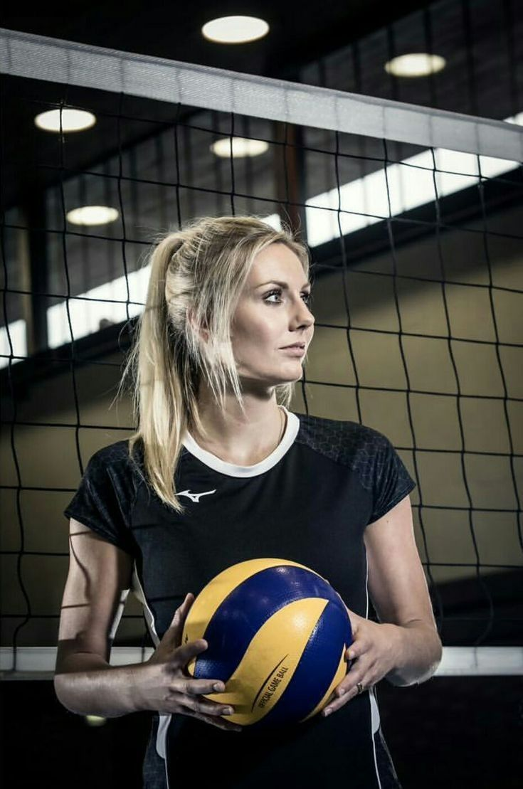 Pin By Maya Madrid On Volleyball Players In 2020 Female Volleyball Players Women Volleyball Volleyball Players