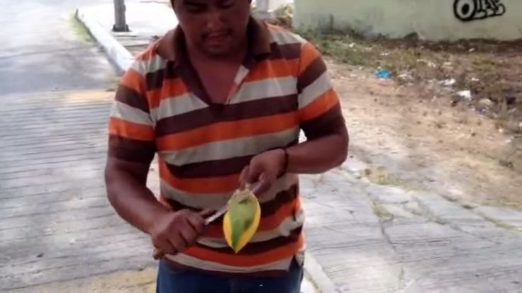 This is how you cut a Mango like a BOSS!
