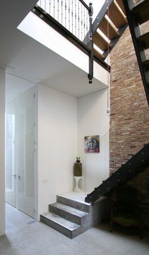 MYINTBRO: staal, hout & glas trap. Staal en constructiebedrijf van Beugelsdijk en Van Kampen Bouwbedrijf.